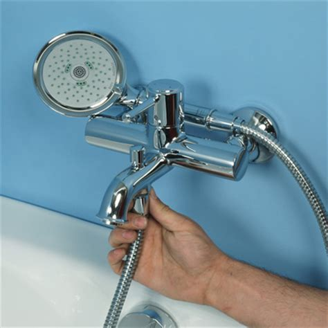 comment monter la robinetterie d une baignoire bricobistro