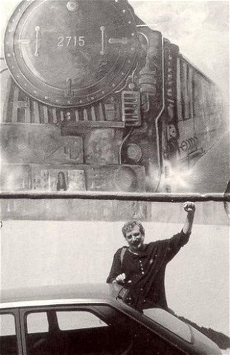locomotiva testo canzoni contro la guerra francesco guccini la locomotiva
