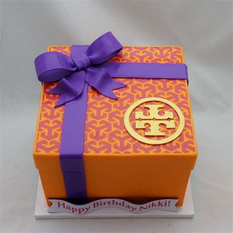 Tory Burch Birthday Gift Card - 25 best ideas about gift box cakes on pinterest fondant cakes fondant christmas