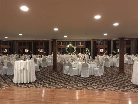 Michigan Wedding at Addison Oaks With a Hot Cocoa Bar