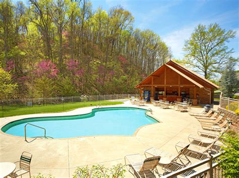 Cabins In Pigeon Forge With Pool Access by What To Do Pigeon Forge In June Events And Activities