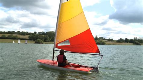 sailboat dinghy getting started dinghy sailing with rya s graham