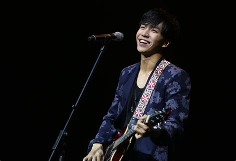 lee seung gi in singapore soompi spotlight lee seung gi at singapore fan meeting