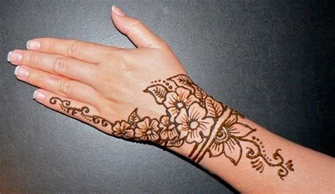 henna tattoo designs small 43 henna wrist tattoos design