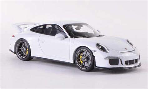 Diecast Sunstar 1 18 1291 Porsche 911 Gt3 Teldafax No 25 porsche 991 gt3 white 2013 minichs diecast model car 1