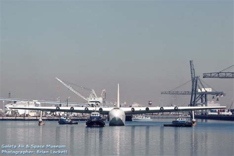 flying boat long beach air and spacce howard hughes giant flying boat