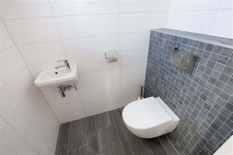 Tegels Houtlook Wc by Houtlook Tegels In Woonkamer En Moza 239 Ek In Toilet Kroon