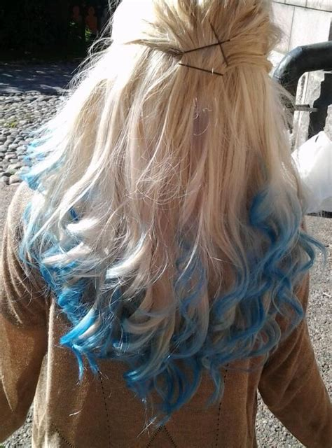 hairstyles with dyed ends blue hair dying styles blonde with blue dip dye hair