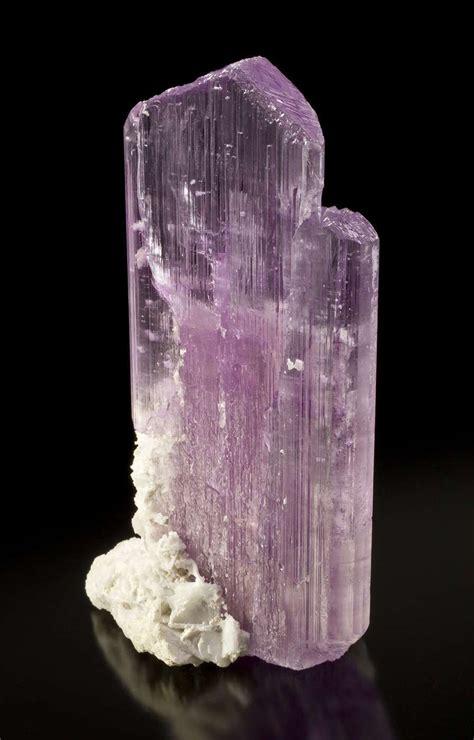 Kunzite Spodumene 12 Carats kunzite gemstone learning geology