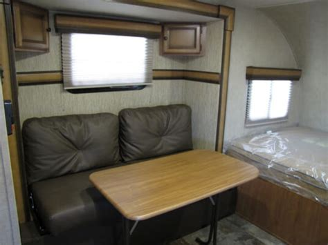 Travel Trailer Furniture by 2014 Palomino Palomini 150rbs Lite Weight Travel Trailer
