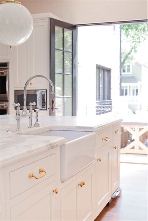 white cabinets with gold hardware interior design ideas home bunch interior design ideas