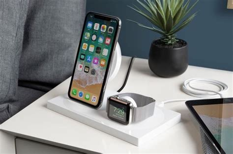 belkin boost  wireless charging dock  iphone