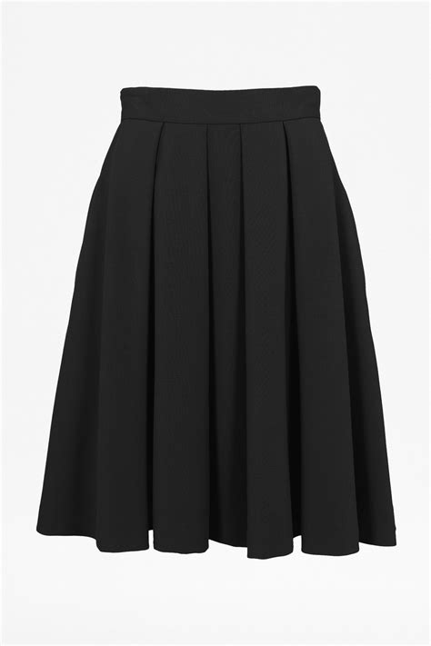 connection feather light flared midi skirt in black