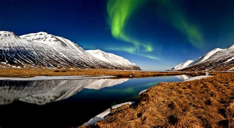 vacation packages to see northern lights northern lights visit iceland jpg