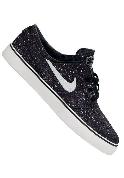 Sepatu Nike Stefan Janosky Blackwhite Sole Gum planetsports nike sb zoom stefan janoski premium black ivory gum light brown black white