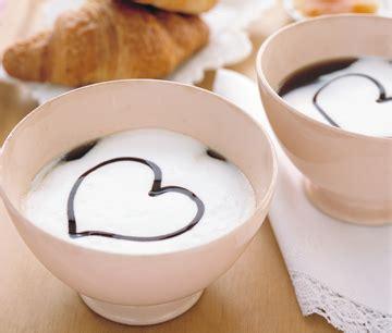 colazione romantica a letto come preparare una colazione romantica a letto