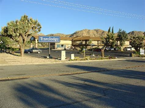 theme hotel yucca valley 301 moved permanently