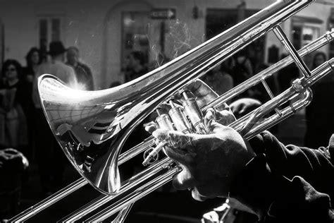 Inner New Jazzy Bluesoftbtoscaelectrikbprussianbnavy tokyo the new capital of jazz international traveller magazine