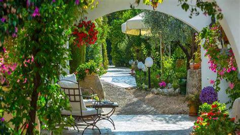 ideas para decorar un patio jardines peque 241 os con encanto dise 241 os y decoracion