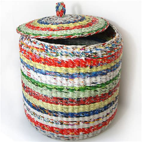 A Paper Basket - home dzine home decor weave a paper basket lshade