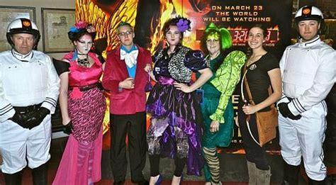 Karpet Karakter Arema the hunger costume ideas the hunger