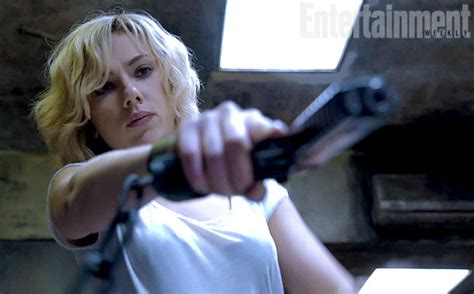 film lucy nul first look at lucy the super powered scarlett johansson