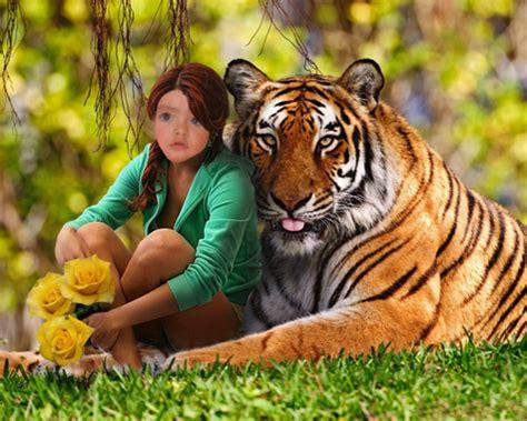 fotomontaje de mujer rodeada por un corazn de fuego fotomontaje divertido para mujer abrazada por un tigre