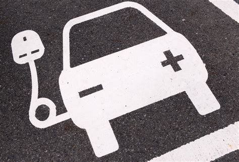 electric vehicles symbol nissan ecotricity call upon uk government for official