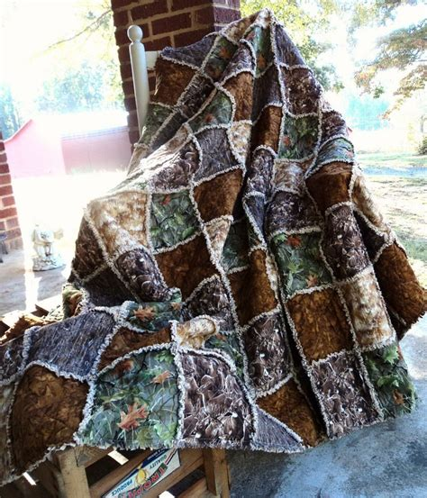 Camo Patchwork Quilt - 1000 ideas about camo quilt on quilts rag