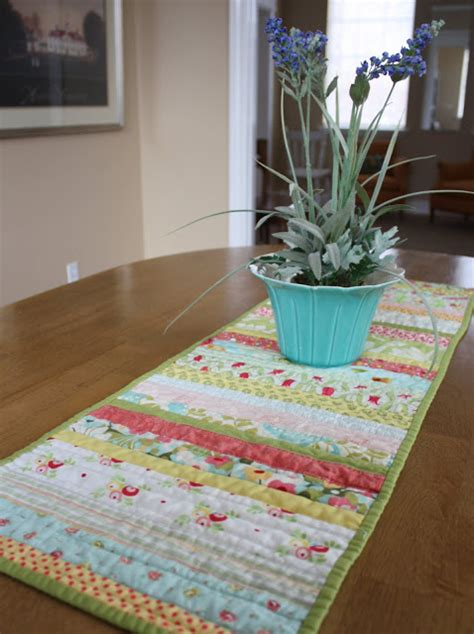 28 Free Quilted Table Runners Pattern Guide Patterns Table Runner Template