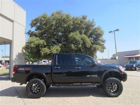 nissan titan pro 4x lifted 2011 nissan titan crew cab pro 4x lifted things that i
