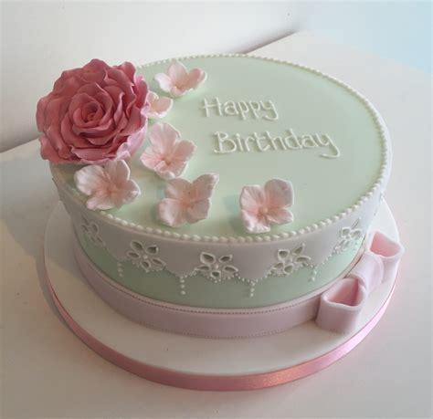 Female  Ee  Birthday Ee   Cakes Bedfordshire Hertfordshire London