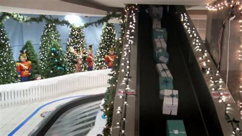 westjet airlines shocks passengers by giving christmas