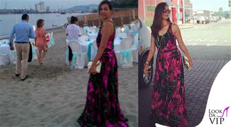 caterina fiore balivo vestito a fiori per le nozze in spiaggia look da vip