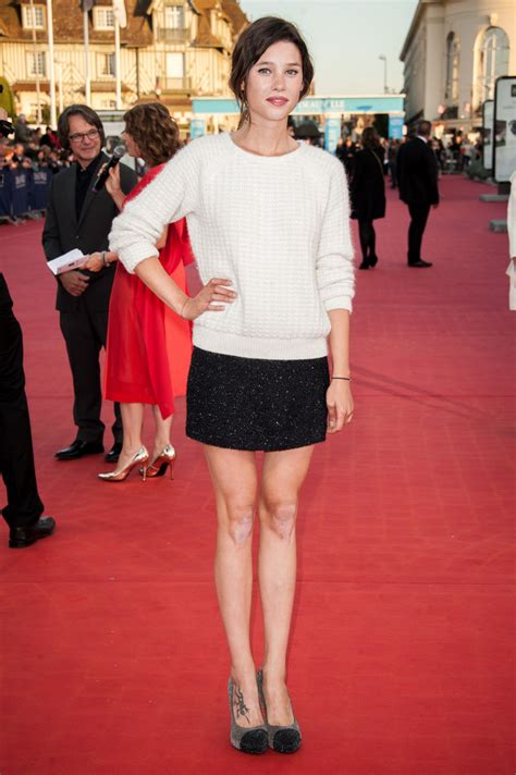 astrid berges frisbey street style astrid berges frisbey mini skirt astrid berges frisbey