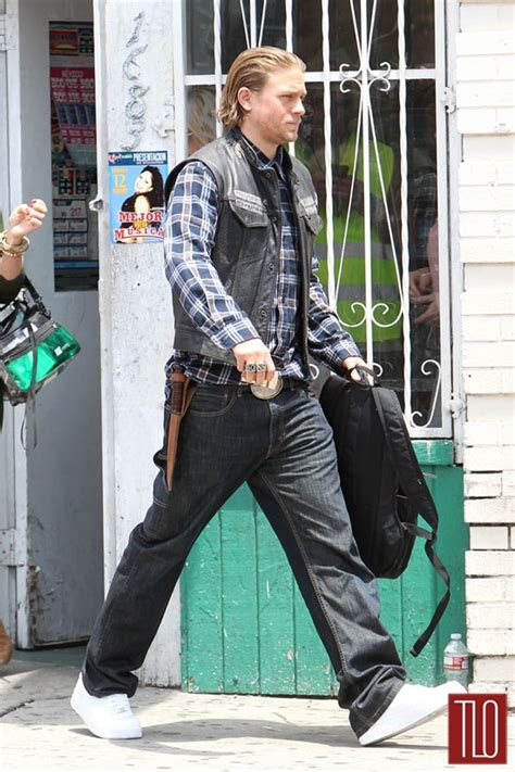 hunnam on the set of quot sons of anarchy quot tom lorenzo