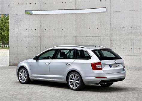 road test review of the new skoda octavia estate 1 6tdi se