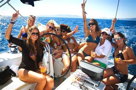 party boat rental barcelona best 2015 yacht party with girls http www yachtparty org