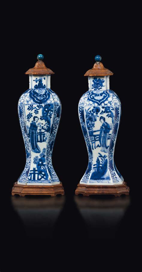 vasi porcellana coppia di vasi in porcellana e con