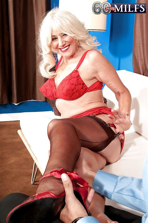lovesome granny in red underwear summeran winters giving a