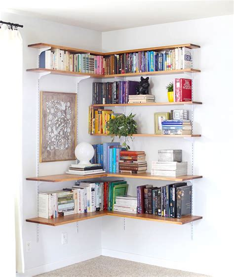 clever ways in which a corner bookshelf can fill in the