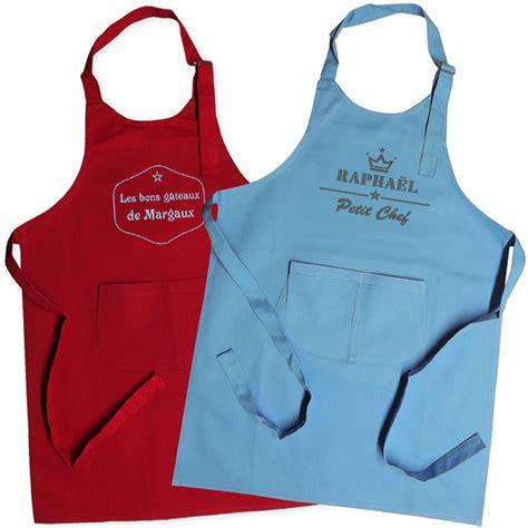 tablier cuisine enfant tablier enfant brod 233 label une id 233 e de cadeau original