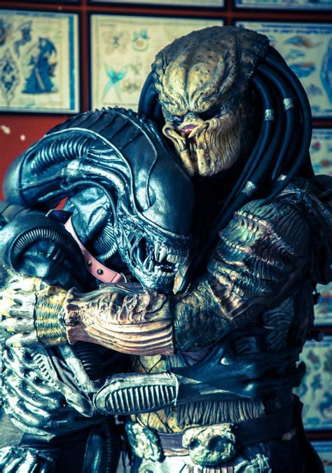 sci fi fantasy cosplay alien amp predator are best buddies