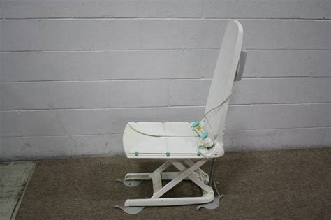 Neptune Recliner Bath Lift Neptune Reclining Bath Lift Everything Auction Commercial Industrial Consignments Tools