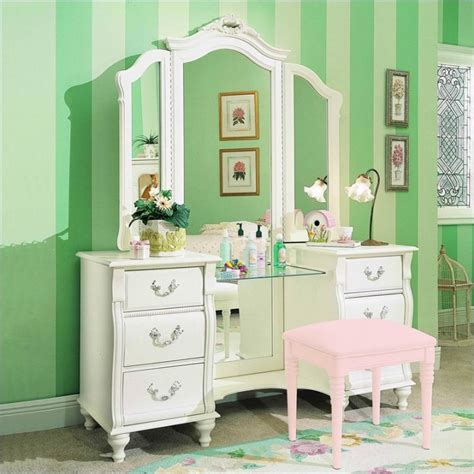 vanity set for girls bedroom bedroom vanities a new female s best buddy dreams house