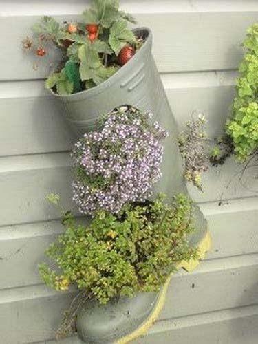 Recycled Planter Ideas by 20 Ways To Recycle Shoes For Planters Cheap Decorations