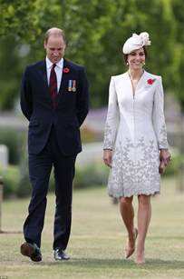 duchess of cambridge duke and duchess of cambridge have visited the tyne cot cemetery near