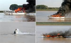 york river boat sinks river ouse boat fire boat bursts into flames and sinks