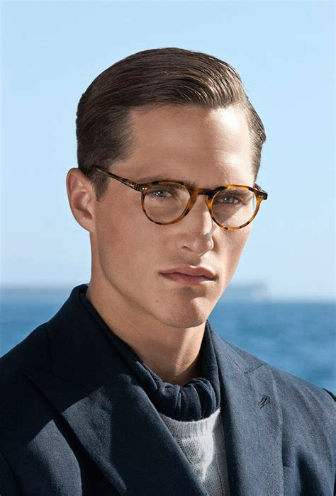 Best Haircuts For Guys With Glasses by On Spec Our Favorite Haircuts For With Glasses