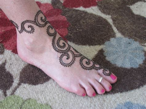 simple henna tattoo on foot easy henna tattoos design